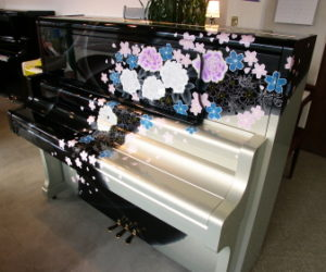 横浜市青葉区大人のピアノ教室 リメイクピアノ写真