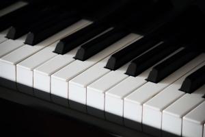 ピアノ鍵盤の写真